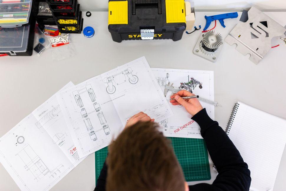 Technische-Zeichnung-Ingenieur