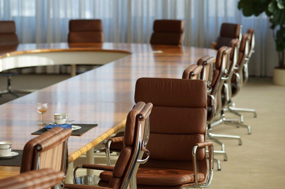 Unternehemen-Vorstand-Sitzung-Meeting