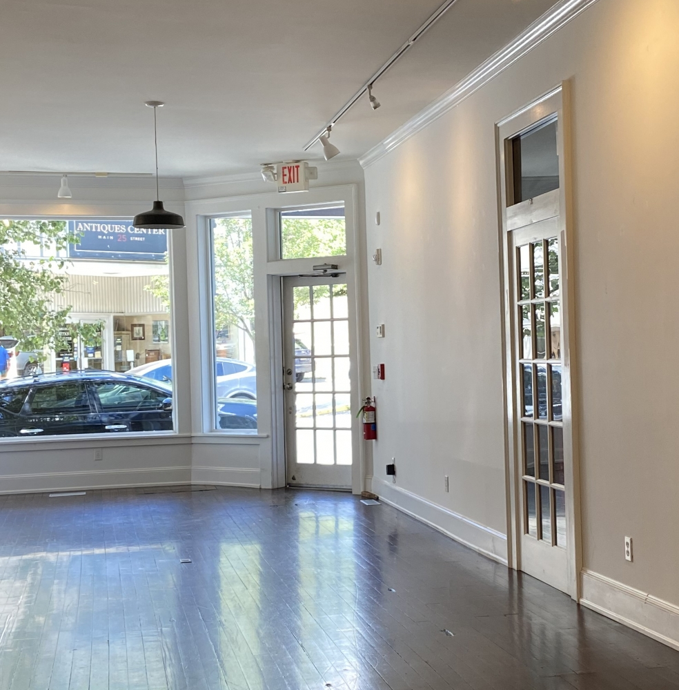 Geary Opens Millerton Gallery