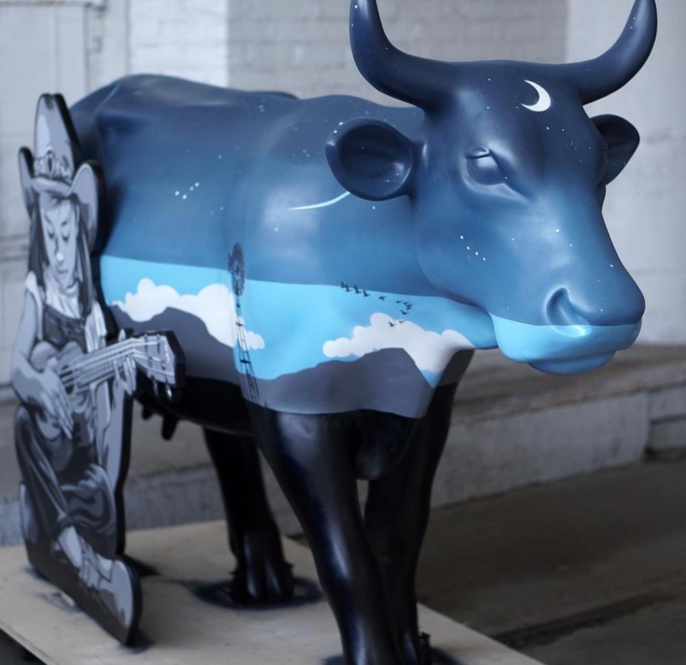 God's Love We Deliver | Joe Iurato at Cow Parade 2021