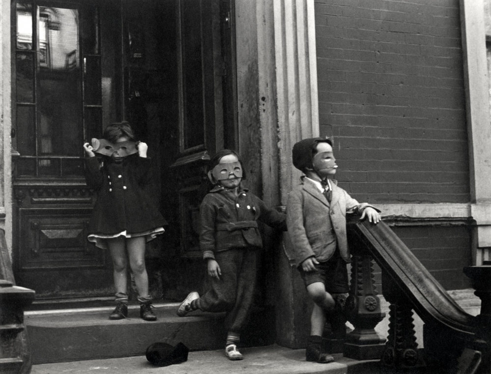 Helen Levitt, New York City, 1939