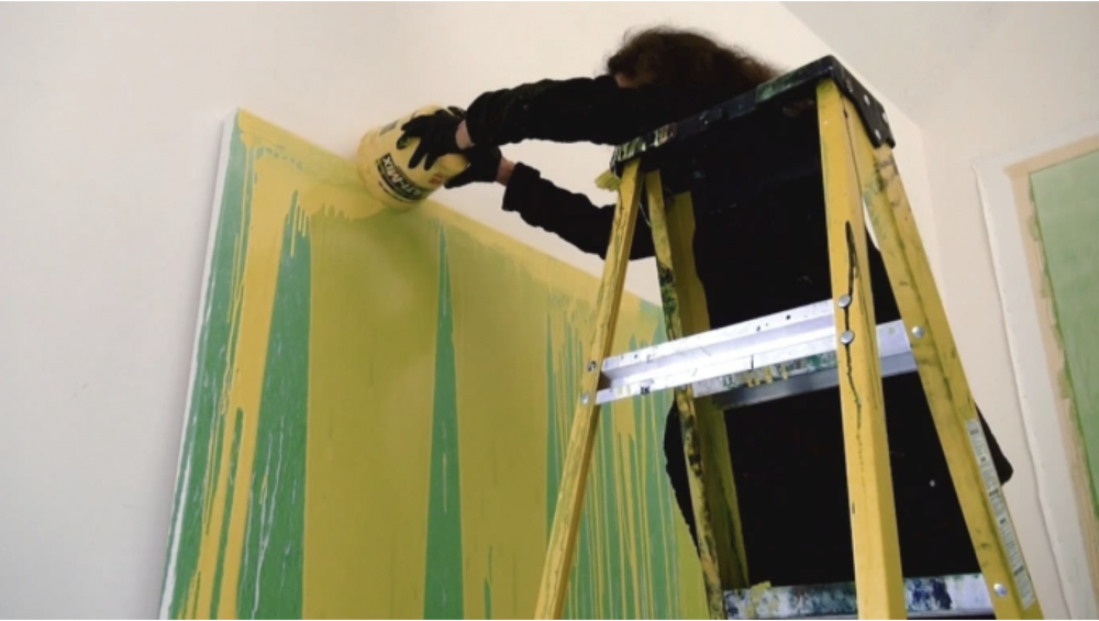 Pat Steir in her studio. VERONICA GONZALEZ PEÑA