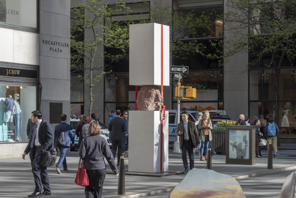 Jose Dávila in Frieze Sculpture at Rockefeller Center 2019