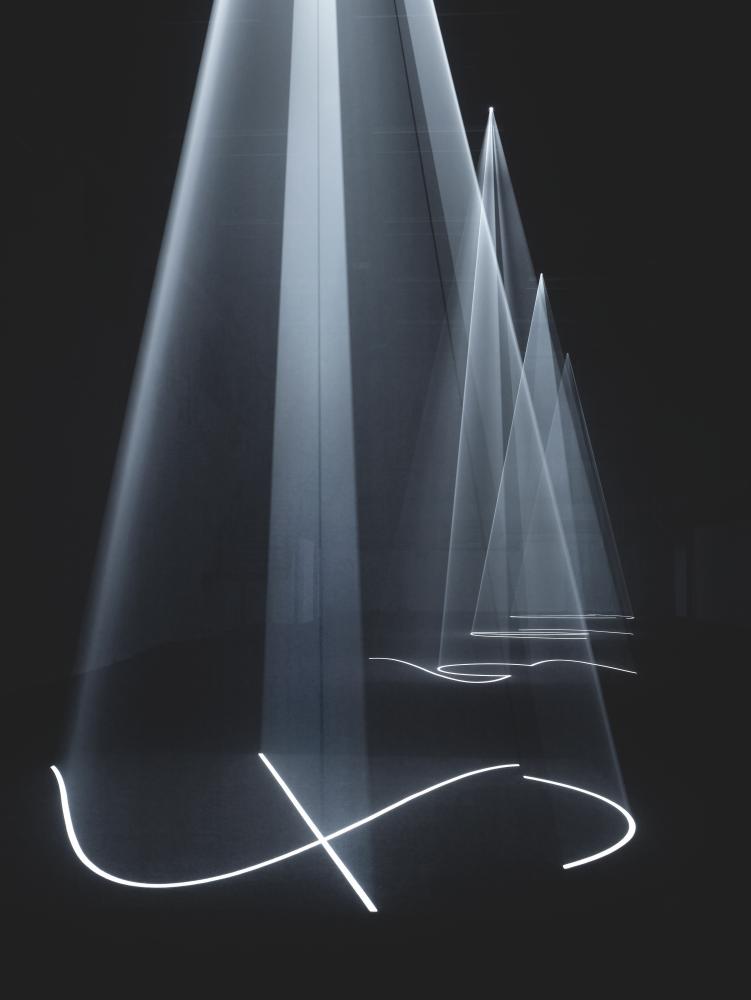 Anthony McCall and James White in Deceptive Images—Playing with Painting and Photography
