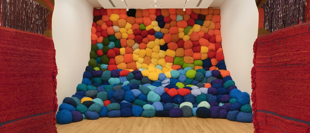 Sheila Hicks: Campo Abierto (Open Field)