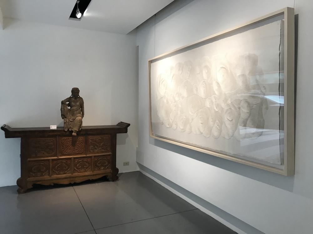 """CHUNZAI Exhibition, """"Juxtaposition - Different Ways of Seeing"""" with Fu Xiaotong, Wang Gongyi, Wu Jian'an, Yan Shanchun"""
