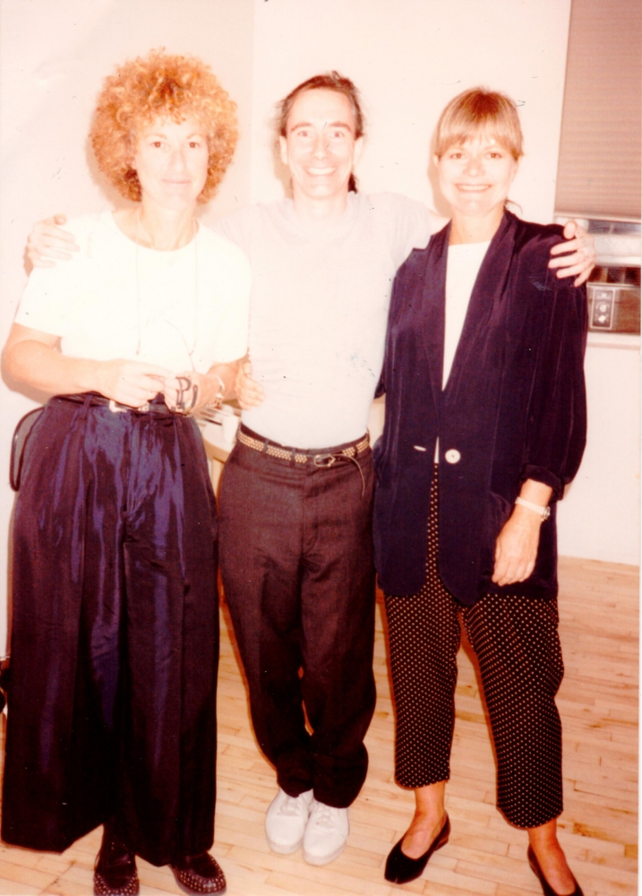 From left to right: Helene Winer, Mike Kelley, Janelle Reiring posing for a photo