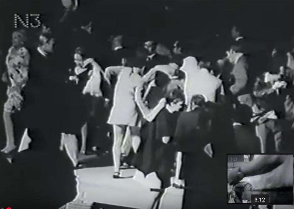 1967- Velvet Underground Plays for Connecticut Socialites