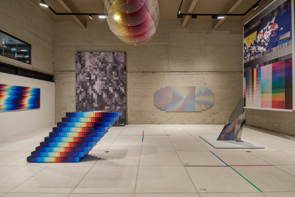 Reviews Felipe Pantone Big Time Data @ Galería RGR, Ciudad de México