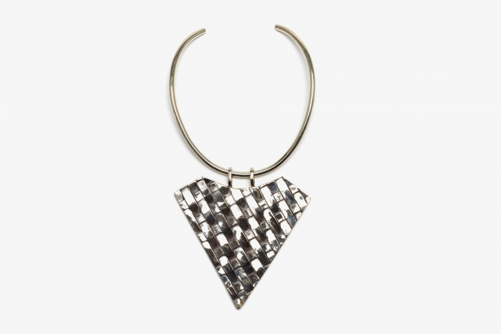 Thatched Triangle Choker