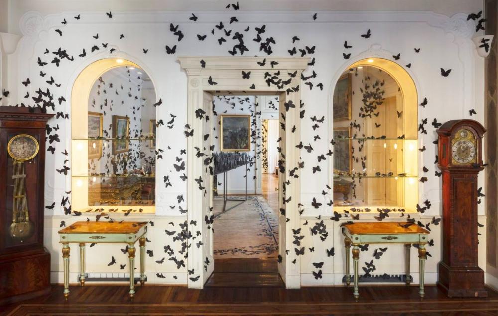Carlos Amorales participa en Fondazione Adolfo Pini en Milan con su exposición L´ora Dannata