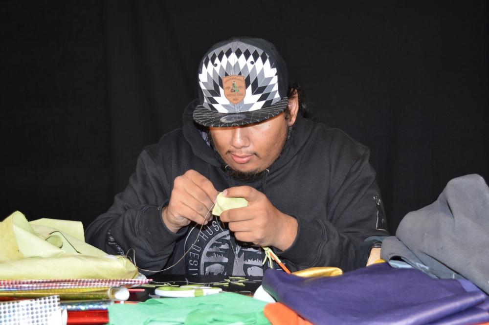 artist sewing head