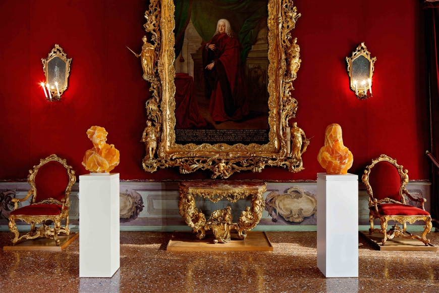 Barry X Ball_Envy and Purity in Utah Golden Honeycomb Calcite_The Throne Room — Ca' Rezzonico, Venice