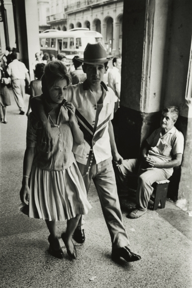 Marc Riboud - Cuba, 1963 - Howard Greenberg Gallery