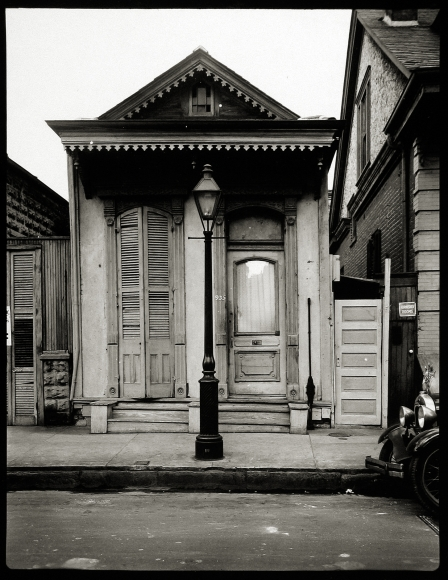 Walker Evans and His Early Circle 2004 Howard Greenberg Gallery