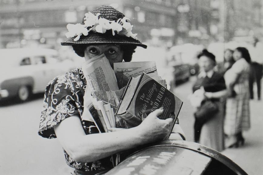Louis Faurer - Freudian Woman, NYC, 1947 - Howard Greenberg Gallery