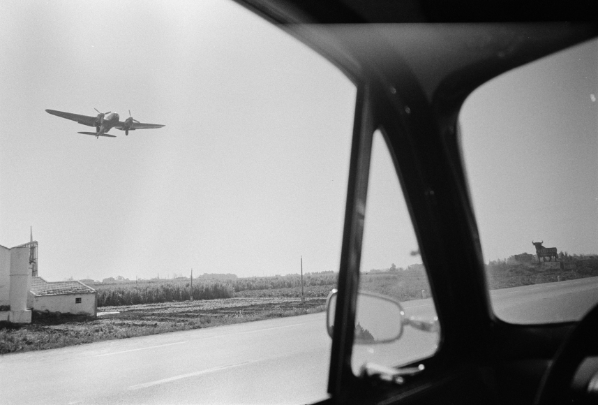 Joel Meyerowitz - European Trip: Photographs from the Car, 1968 2014 Howard Greenberg Gallery