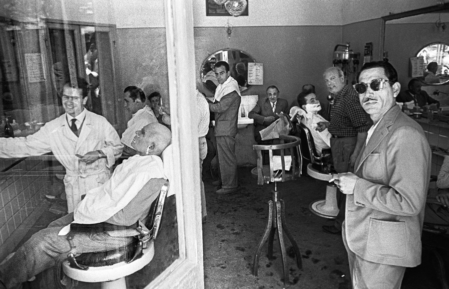 William Klein - Barbershop, Rome, 1956 - Howard Greenberg Gallery