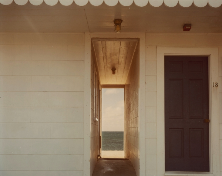 Joel Meyerowitz - Doorway to the Sea, 1982  - Howard Greenberg Gallery