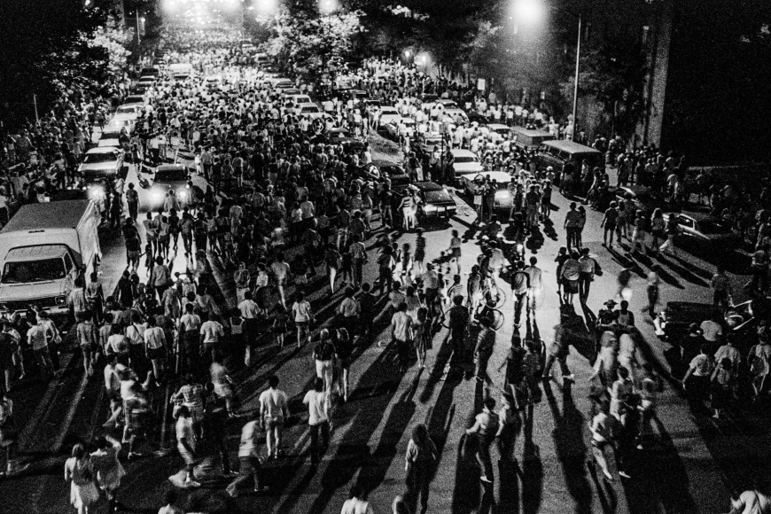 Ken Schles - Crowds Dispersing After Fireworks Display, 1983 - Howard Greenberg Gallery