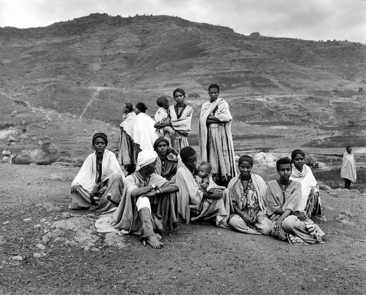 Frédéric Brenner: Exile at Home - Showada, Simens Mountains, Ethiopia, 1983 - Howard Greenberg Gallery