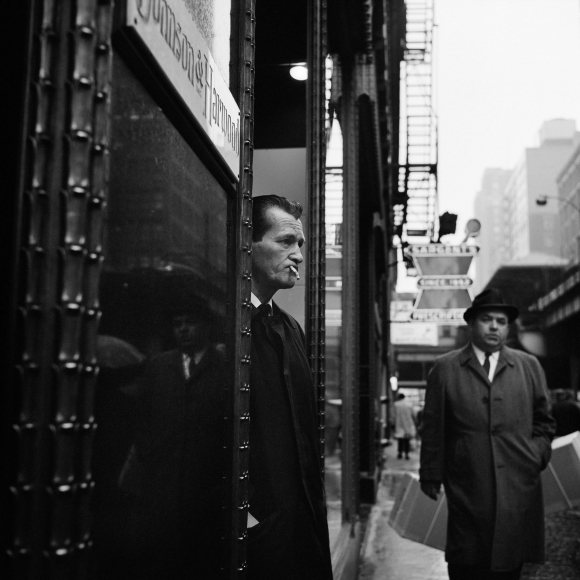 Vivian Maier - Chicago, IL, 1966- Howard Greenberg Gallery