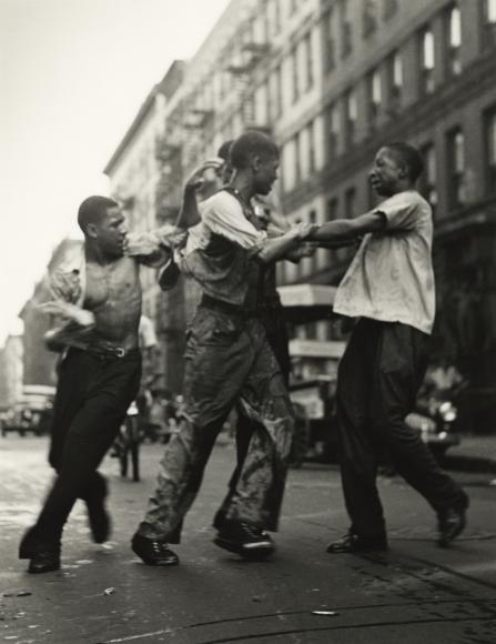 Gordon Parks - Untitled, Harlem, New York, 1948 - Howard Greenberg Gallery