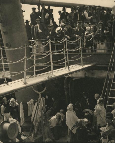 Alfred Stieglitz - The Steerage, 1907 - Howard Greenberg Gallery