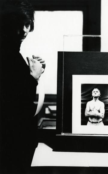 Dave Heath - Diane Arbus, 1963 - Howard Greenberg Gallery