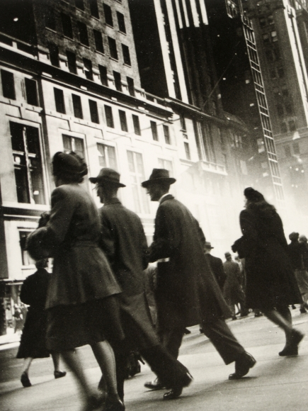 Rebecca Lepkoff - Early Morning Rush, Midtown Manhattan, 1940s - Howard Greenberg Gallery