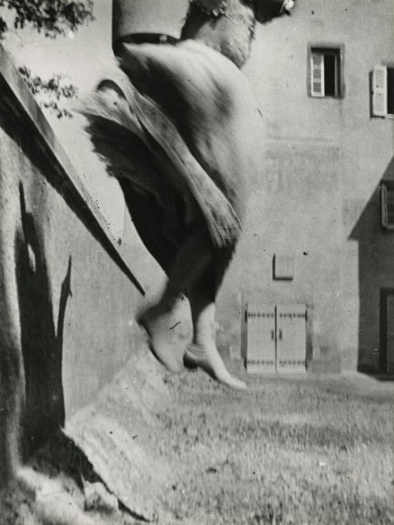 Jacques-Henri Lartigue - Bouboutte, Rouzat, 1908 - Howard Greenberg Gallery