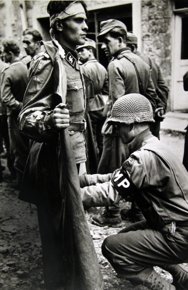 Robert Capa - War, 1939-45 - Howard Greenberg Gallery