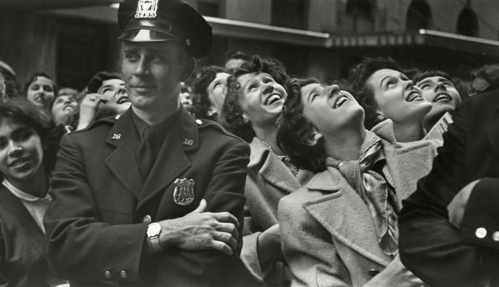 Esther Bubley - NYC, Johnny Ray Fans, Midtown, 1952 - Howard Greenberg Gallery