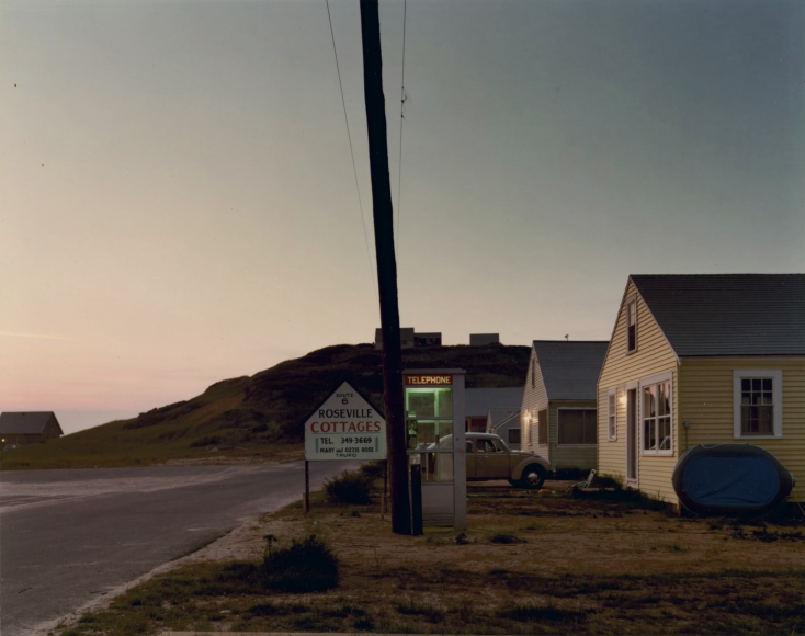 Joel Meyerowitz - Roseville Cottages, Truro, 1976 - Howard Greenberg Gallery