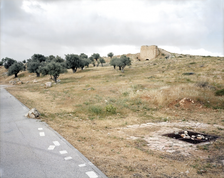 Frédéric Brenner - An Archeology of Fear and Desire - Hebron Road, 2011 - Howard Greenberg Gallery