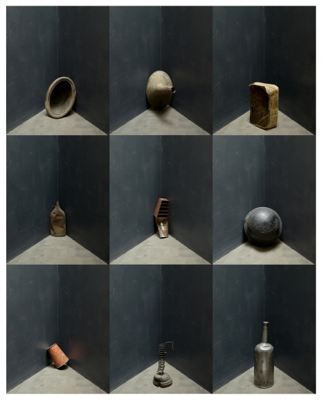 Joel Meyerowitz - Nine Objects, 2013 - Howard Greenberg Gallery