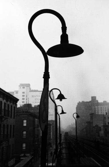 Saul Leiter - A Walk with Bob, c.1954 - Howard Greenberg Gallery