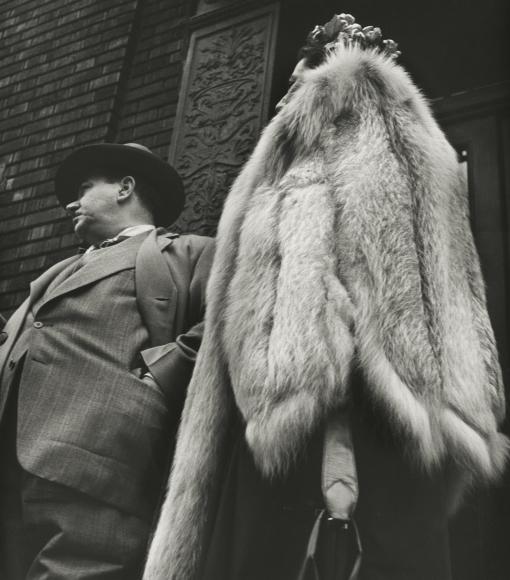 Leon Levinstein - New York City, 1954 - Howard Greenberg Gallery
