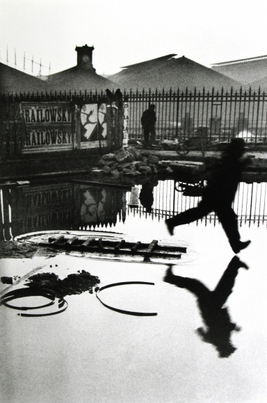 Henri Cartier-Bresson - Behind the Gare Saint-Lazare, Pont de l'Europe, Paris, 1932 - Howard Greenberg Gallery
