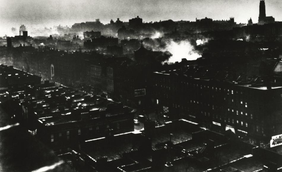 Gordon Parks - Harlem Rooftops, 1948 - Howard Greenberg Gallery