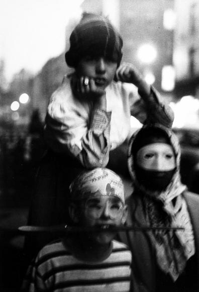 Saul Leiter - Halloween, 1952 - Howard Greenberg Gallery