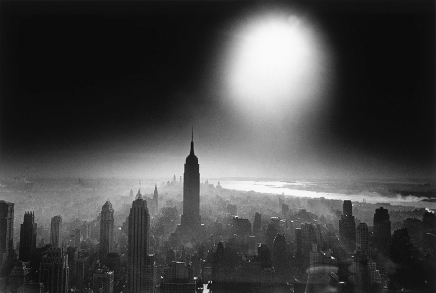 William Klein - Atom Bomb Sky, New York, 1955 - Howard Greenberg Gallery
