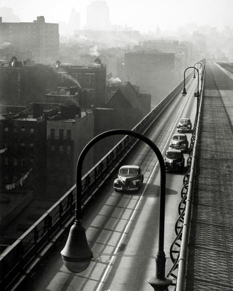 Harold Roth - Williamsburg Bridge, 1947 - Howard Greenberg Gallery