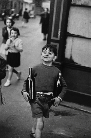 Henri Cartier-Bresson - Rue Mouffetard, Paris, 1954 - Howard Greenberg Gallery