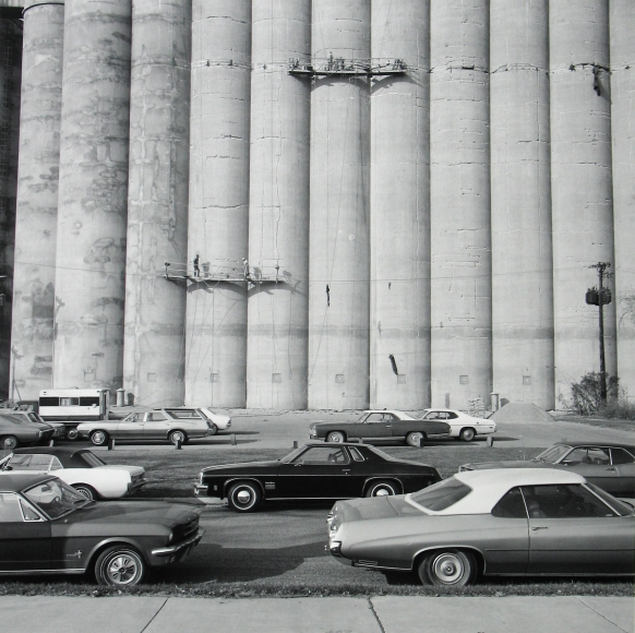 Frank Gohlke - Grain Elevator being Repaired, Minneapolis, 1974 - Howard Greenberg Gallery