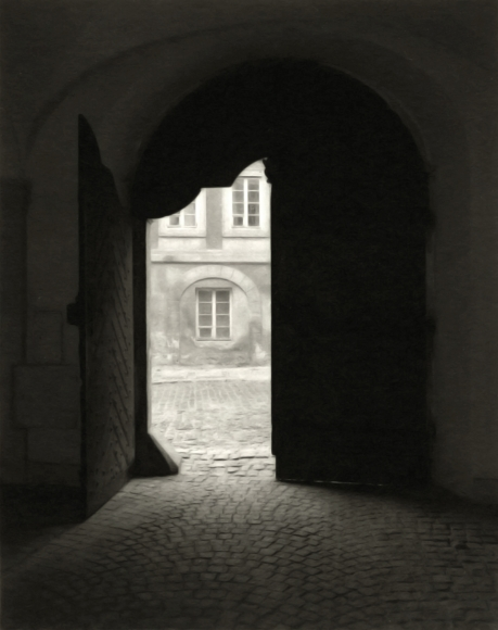 Mark Citret - Doorway, Prague, 1995 - Howard Greenberg Gallery