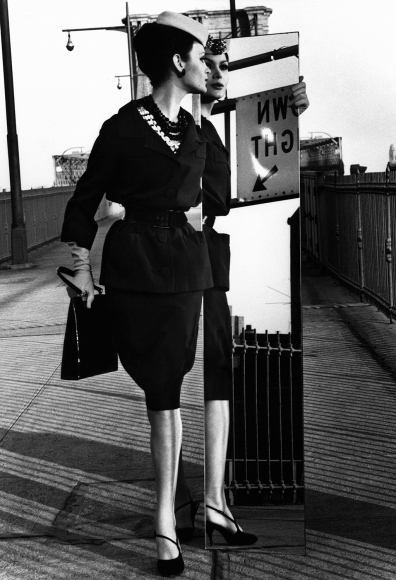 William Klein - Isabella + Brooklyn Bridge, New York (Vogue), 1962 - Howard Greenberg Gallery