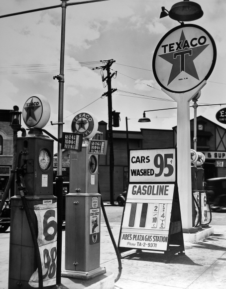 Berenice Abbott - Texaco Station - Howard Greenberg Gallery