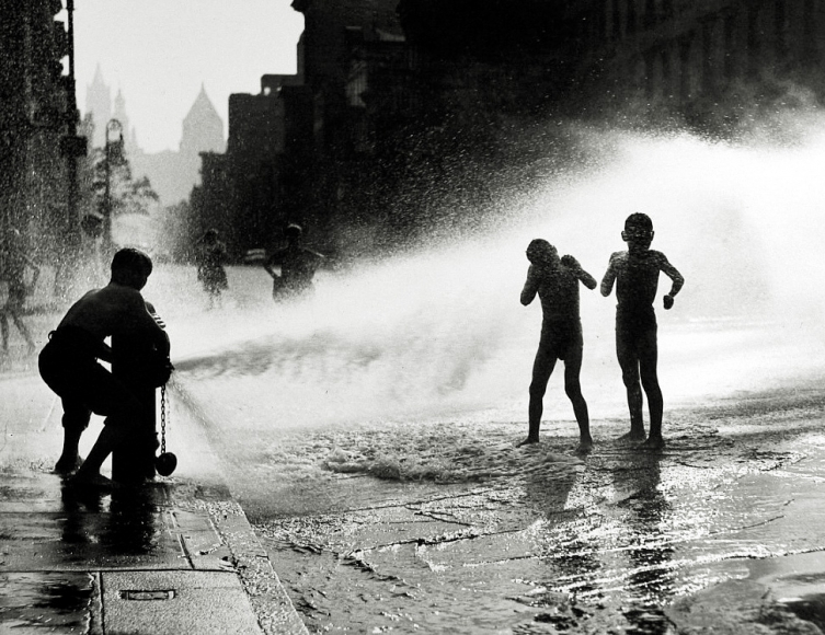 Harold Roth - Under the Hydrant, Lower East Side, 1946 - Howard Greenberg Gallery