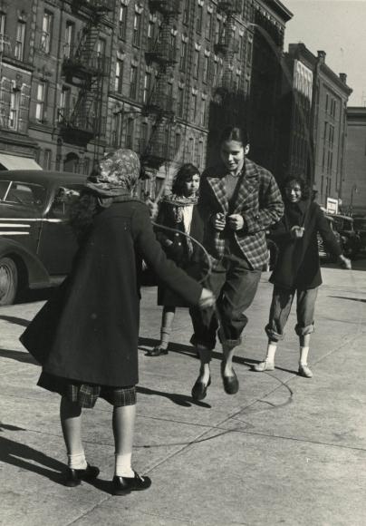 Leo Goldstein - Untitled, c.1950- Howard Greenberg Gallery